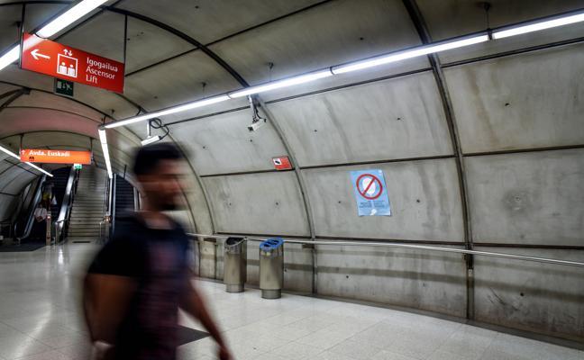 Las Juntas cierran la puerta a la instalación de baños públicos en el metro