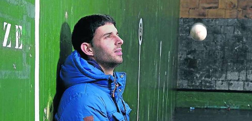 Jokin Altuna: «Urrutikoetxea es un espejo en el que mirarse»