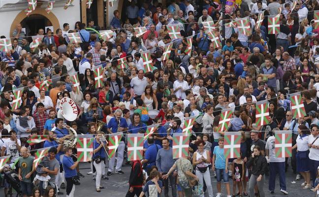 Un vídeo con fotos de vecinos de Arrigorriaga repasará los mejores momentos del año