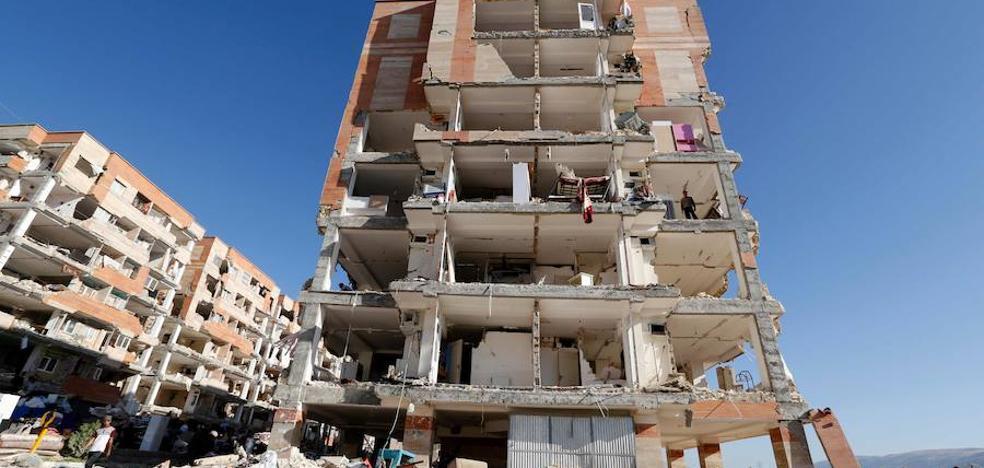 Aumenta a 530 el balance de muertos por el terremoto en la frontera entre Irán e Irak