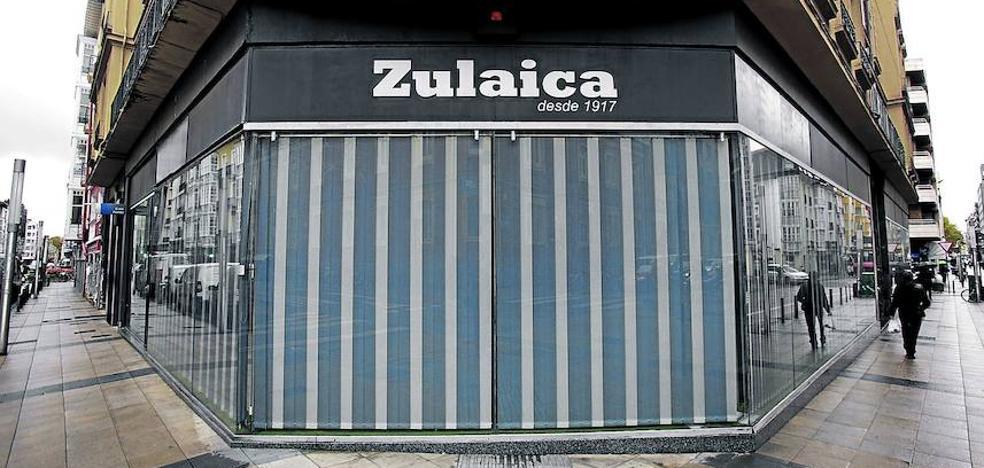 El Corte Inglés estudia instalarse en el local de Deportes Zulaica con un supermercado