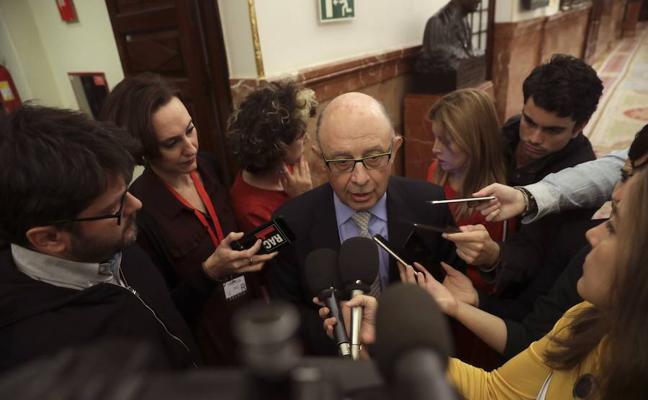 Montoro asegura que la fuga de empresas de Cataluña afecta a la tributación autonómica