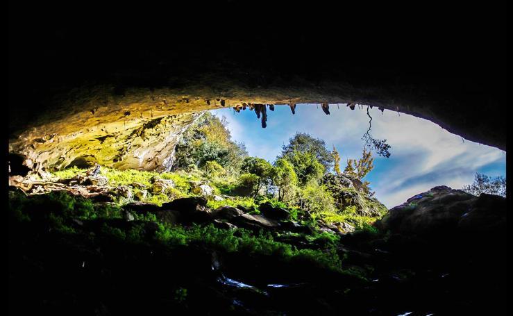 Las cuevas de Sugoi y Mikelatz