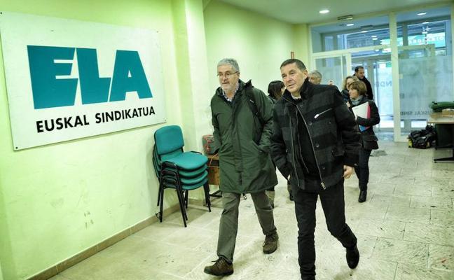 EH Bildu condiciona los Presupuestos a que el PNV rompa con PSE y PP tras reunirse con ELA