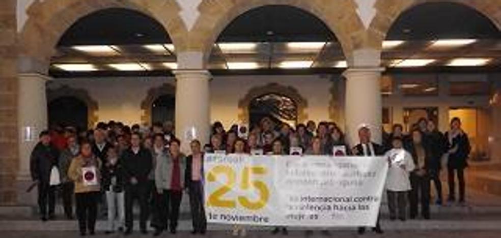 Un mural para plasmar reflexiones de los vecinos abre la programación del 25-N en Arrigorriaga