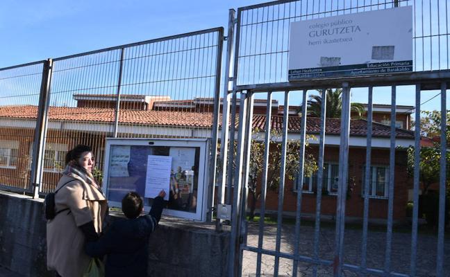 Cierran sin previo aviso un colegio de Cruces por una fuga de agua