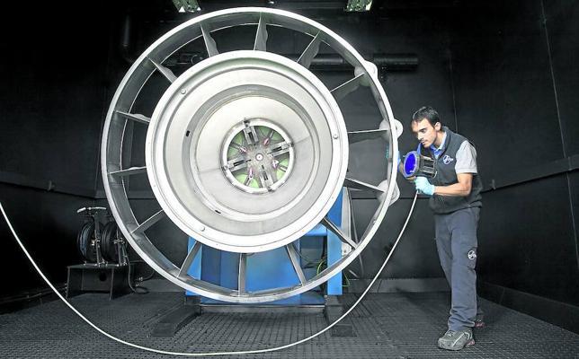 Cospedal mantiene congelada la venta de acciones de ITP a Rolls Royce