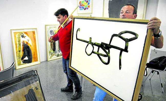 Una feria para comprar arte asequible