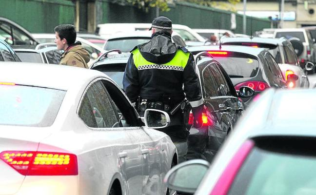 Vitoria descarta retirar las multas de la huelga pese a la insistencia del síndico