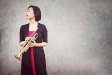 La trompetista japonesa Natsuko Sugao actúa en sexteto en el Bilbaína Jazz Club