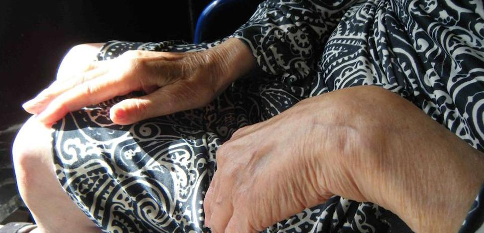 La mayoría de las infracciones en la residencias son por atar a los mayores sin permiso