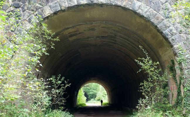 Túnel de La Engaña, una excursión de otoño por las Merindades