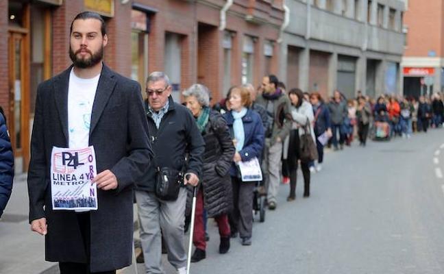 Más de 800 personas piden compromisos a las instituciones para acelerar la llegada del metro a Rekalde