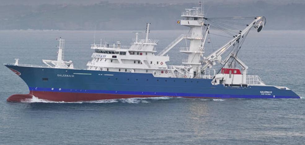 El atunero de Bermeo 'Galerna III' escapa del acoso pirata en el Índico tras abrir fuego