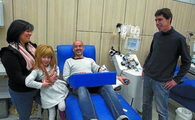 Maiane, la niña curada gracias a los donantes de sangre