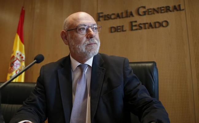 Rajoy alaba la defensa de Maza del Estado de Derecho en un mensaje a su viuda