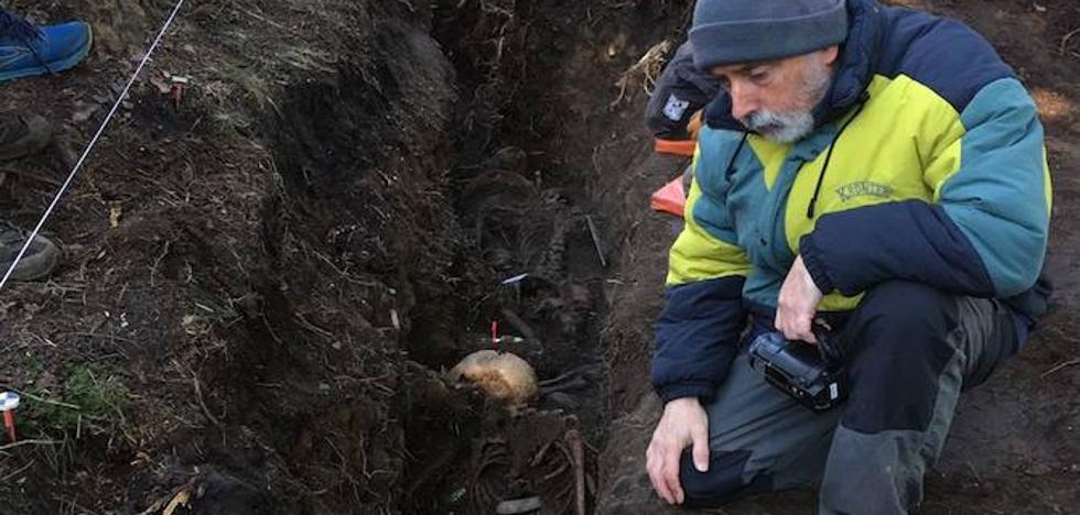 Descubren una trinchera con restos de cinco combatientes de la Guerra Civil en Zeanuri