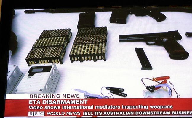 Francia insiste en que ETA no ha devuelto la cuarta parte de las armas que robó