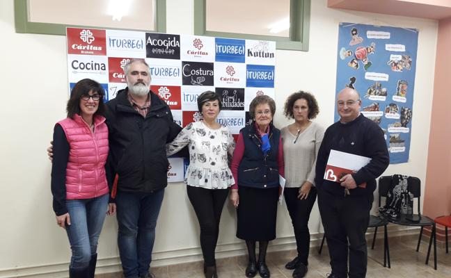 Cáritas Bizkaia implanta en Basauri su tercer programa de acompañamiento de mayores