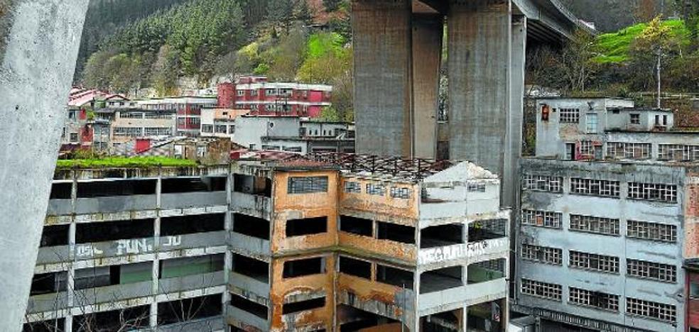 Eibar es una «interesantísima y bella ciudad», según la Asociación de Patrimonio Industrial