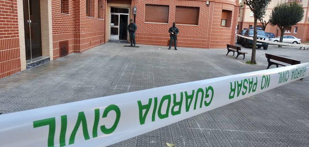 Herida al tirarse por la ventana cuando iba a ser detenida en Portugalete durante la operación de trata de mujeres