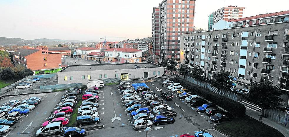 La obra de un parking privado en Astrabudua solivianta a los vecinos por eliminar 80 plazas