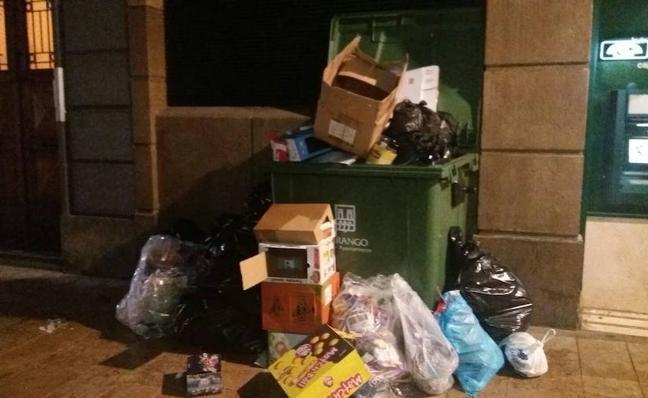 EH Bildu urge a mejorar el «penoso» servicio de limpieza y recogida de basuras en Durango