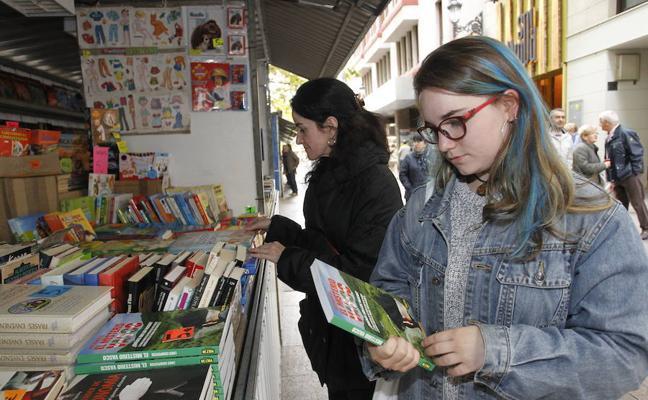 Vitoria acoge la primera Feria de Libreros Alaveses