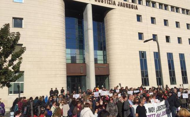 Se reanuda la declaración de 'La Manada' tras ser suspendida por una protesta