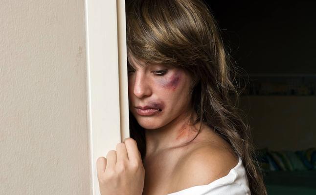 52 víctimas de la violencia de género llevan escolta en Euskadi