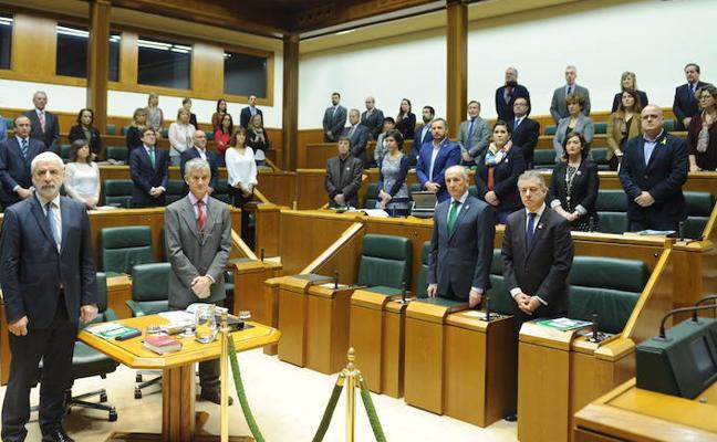 El Parlamento vasco recuerda a Santi Brouard