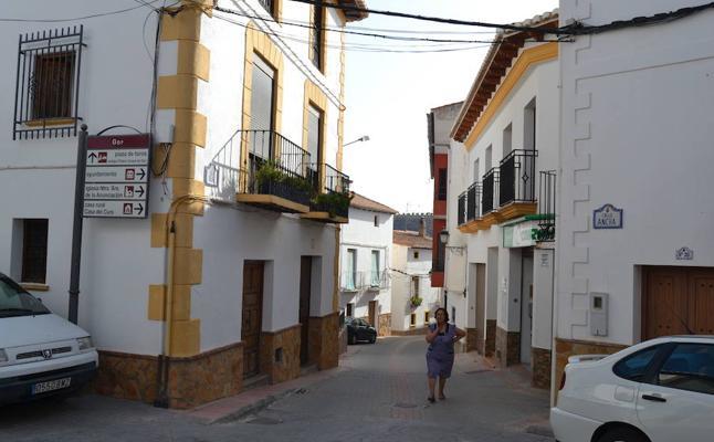 Torturan y rocían con gasolina a un matrimonio en Granada para robar 200 euros