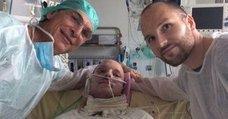Un quemado integral se salva con el trasplante de piel de su hermano gemelo