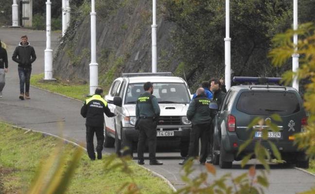 Seis inmigrantes detenidos tras desalojar un campamento ilegal en Zierbena