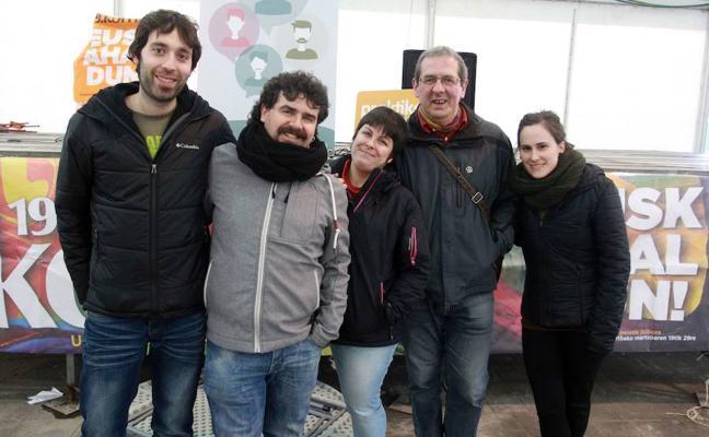 Presentan un disco en Basauri con motivo de la celebración del Día del Euskera