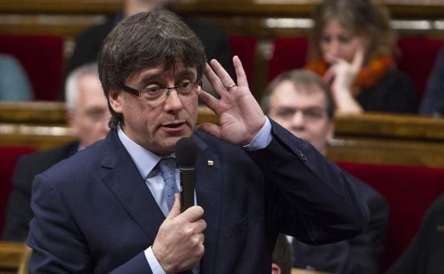 El Gobierno tilda de «broma» que Puigdemont proponga ahora un debate a Rajoy