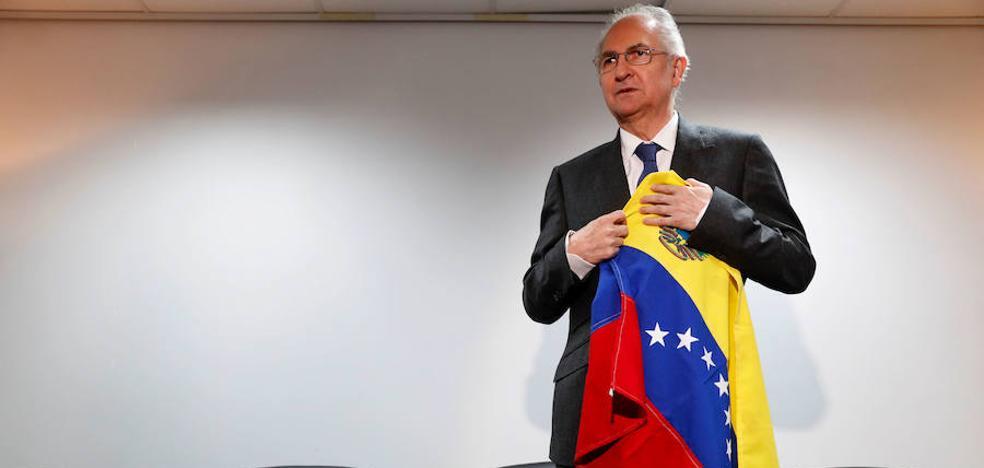 Ledezma pide a España condición de asilado para viajar con frecuencia
