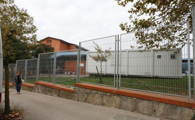 Los padres del colegio Zipiriñe de Sopela inician protestas contra la «saturación» de las aulas