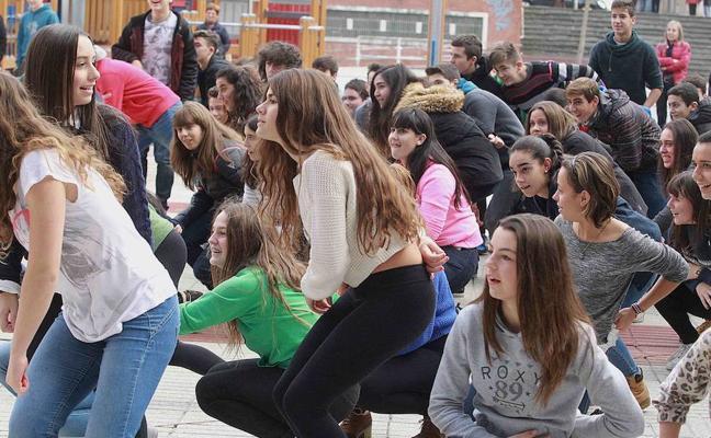 El Día del Euskera pone en valor en Galdakao el papel de la mujer en la tradición vasca