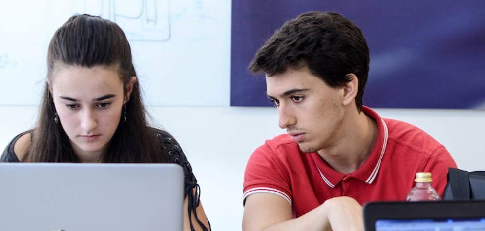 Universidades vascas ofertarán carreras que combinan el estudio y trabajo en empresas