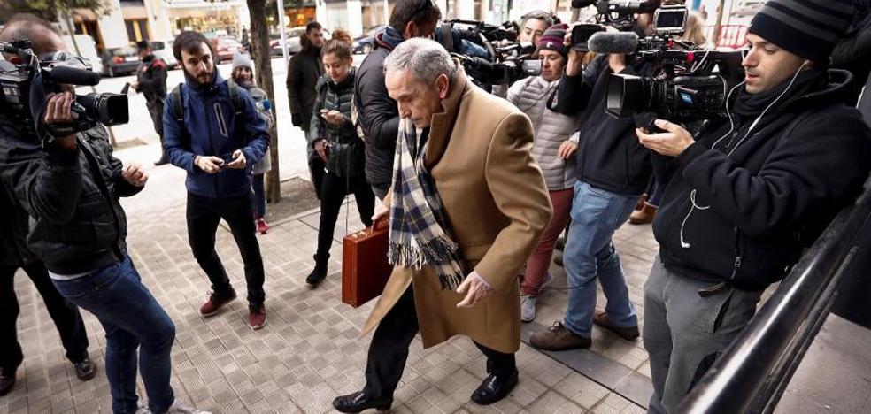 La defensa de tres acusados rechaza los cargos por las pruebas «viciadas de origen»