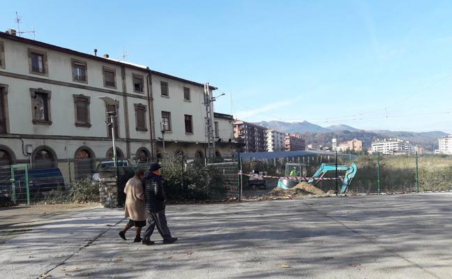 Las excavadoras irrumpen en la antigua estación de Durango para su demolición