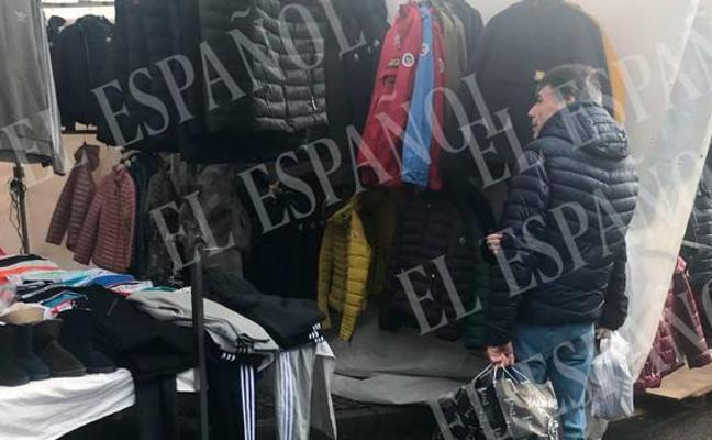 Ignacio González, de la cárcel de Soto del Real a buscar gangas en el mercadillo de Santoña