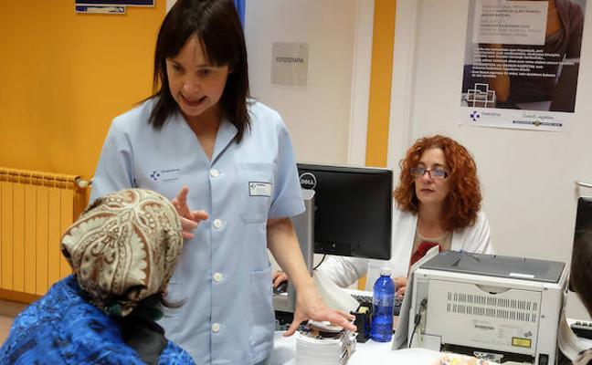La OSI Debabarrena promociona la Carpeta de Salud en el Ambulatorio