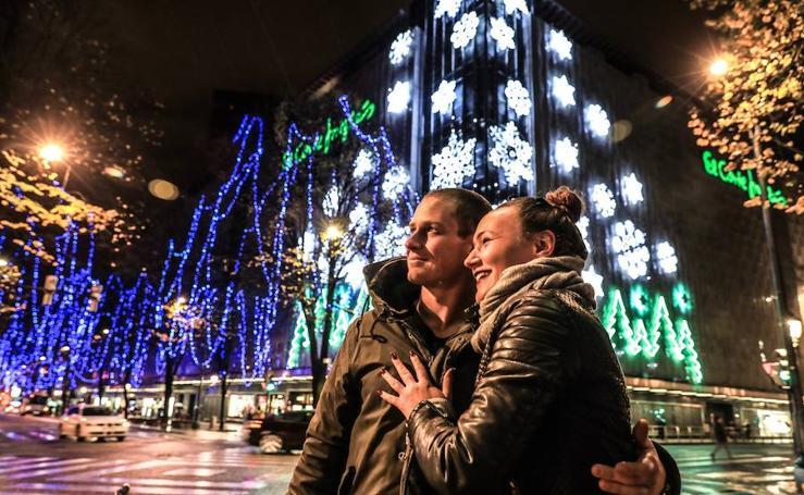 La Navidad llena Bilbao de luz