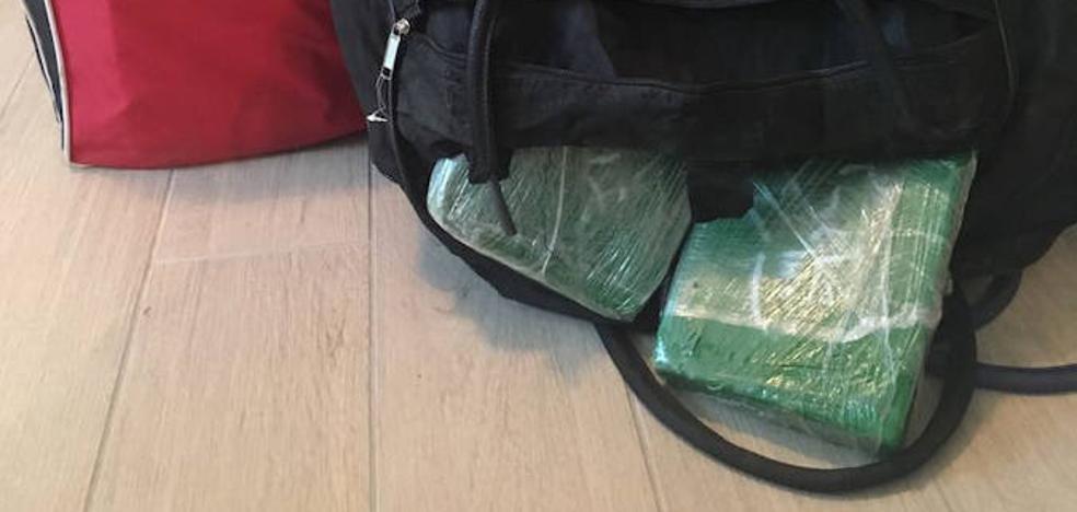 Desmantelada una ruta aérea de cocaína entre Colombia y Europa