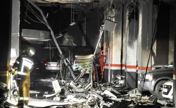 Fotos: Incendio en un garaje de Miribilla