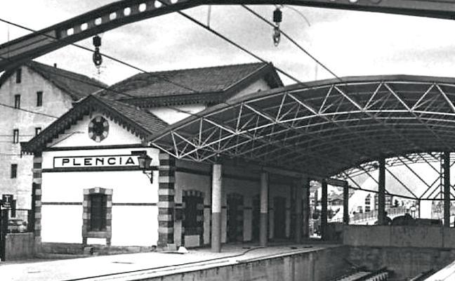 Plentzia rinde tributo al ferrocarril
