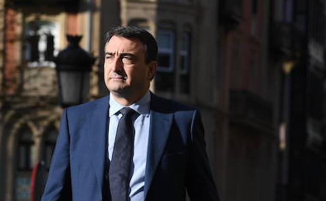 «Ahora mismo ni nos planteamos apoyar los Presupuestos de Rajoy»
