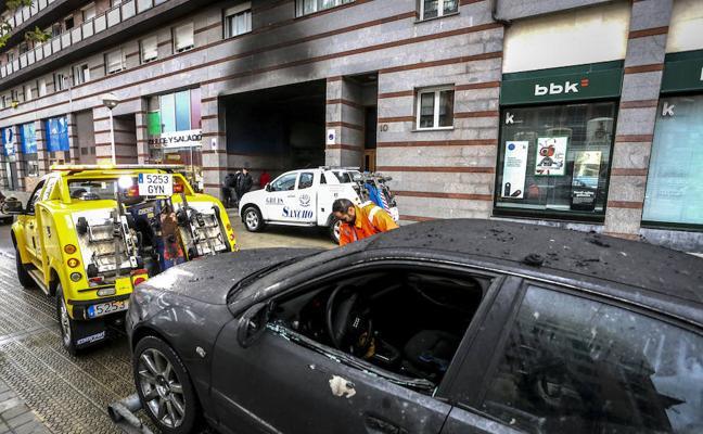 Decenas de afectados por el incendio de Miribilla viven con familiares o en hoteles